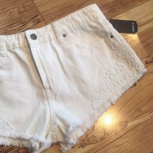 Forever 21 cream lace shorts size 27 NEW